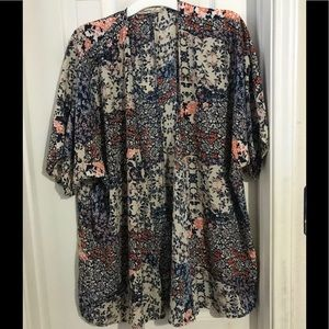 LIBERTY LOVE FLORAL COVER SHORT SLEEVE  SIZE 2XL